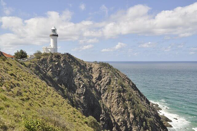 byron bay lighthouse water view